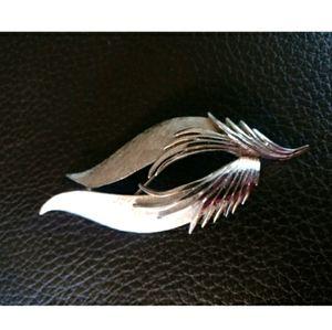 🇨🇦 VTG 50s Corocraft brushed silver brooch